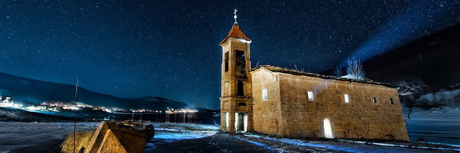 Затопленная церковь в Мавровском озере